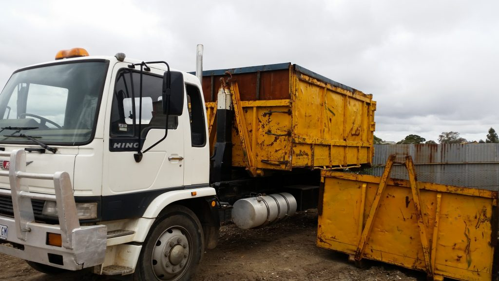 TM Demolition contractors Thomastown and skip bin hire Thomastown. Competitive quotes and advise on demolition of houses, factories and buildings, asbestos removal and site clearing also sub-divisions. Call 0414 487 770